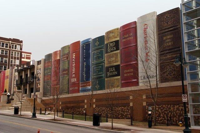Llibres gegants, Biblioteca Pública de Kansas